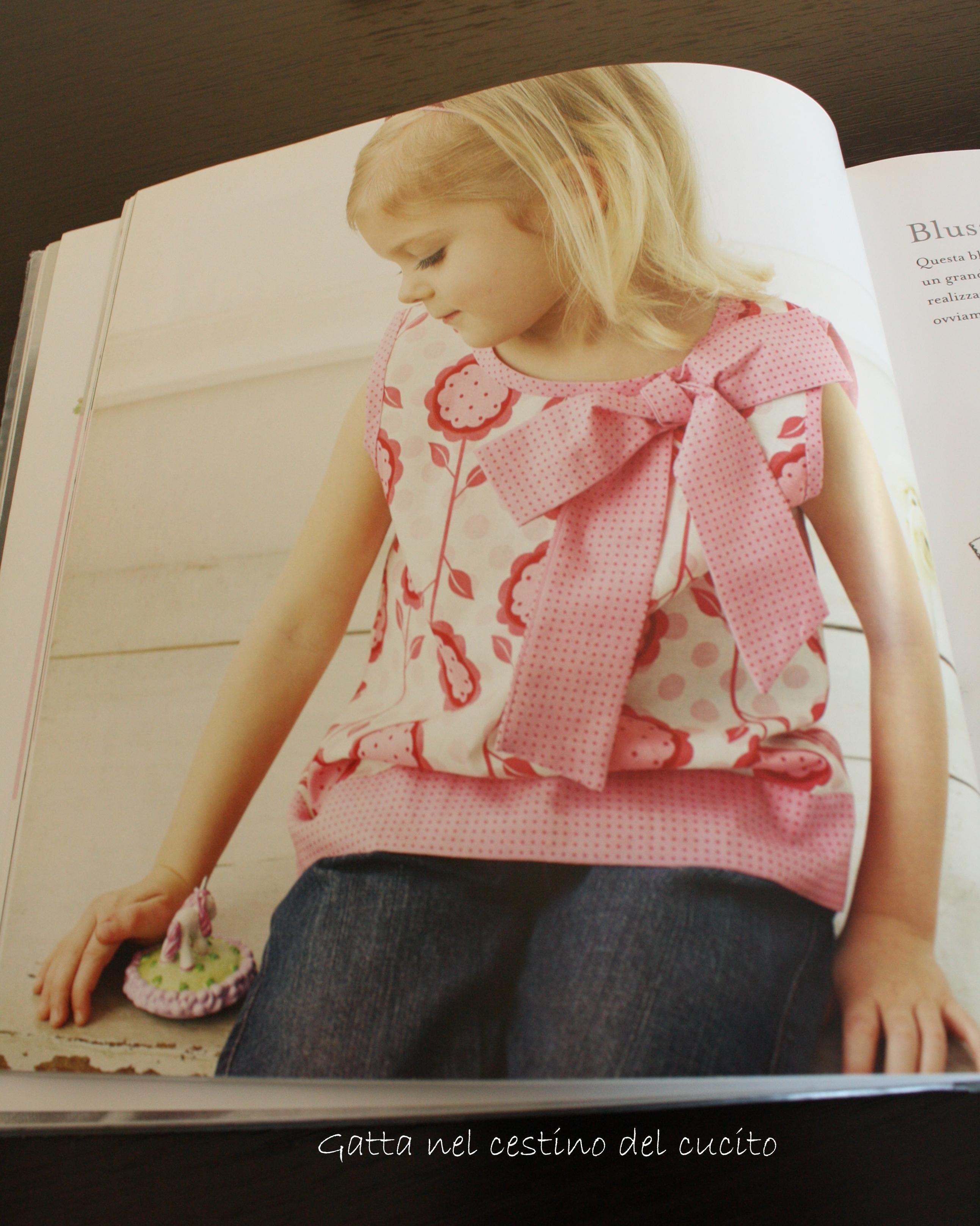 Camicetta per bambini – Blouse for Children – La Gatta nel cestino ... 05c51bfda2f